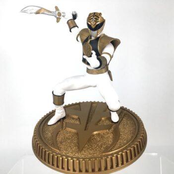 Mighty Morphin Power Rangers White Ranger 1/8 Scale Statue
