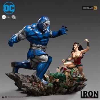Wonder Woman Vs Darkseid Diorama