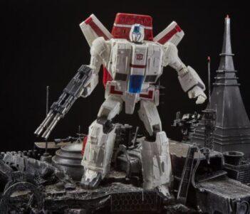 Transformers War for Cybertron: Siege Commander Jetfire